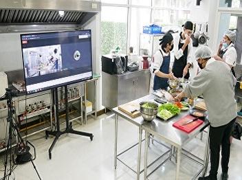 Management of kitchen laboratory teaching. Online format through the hotel management branch's Google Meet program. Major in Restaurant Business and Catering International Program
